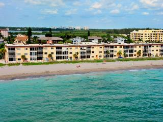 Beachfront - 3 BR Condo - Upscale -Free Boat Docks - Siesta Key vacation rentals