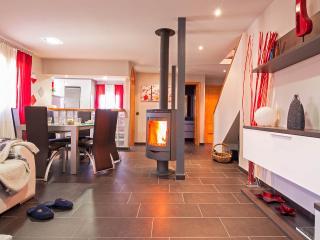 Perfect 3 bedroom House in San Lorenzo de El Escorial - San Lorenzo de El Escorial vacation rentals