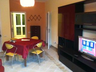 APPARTAMENTO CON GIARDINO 230 METRI DAL MARE - Alba Adriatica vacation rentals