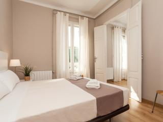 3 Bedrooms Apartment - Sagrada Familia D - Barcelona vacation rentals