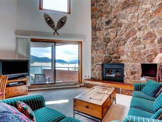 3 BR/ 3 BA, lakeside escape for 8, Great views of Lake Dillon, located in downtown Dillon - Dillon vacation rentals