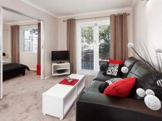 1 bedroom Condo with Internet Access in Nedlands - Nedlands vacation rentals