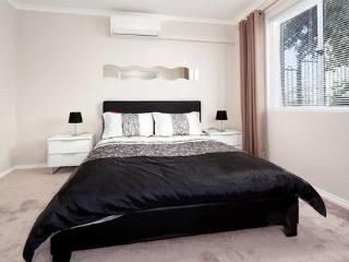 1 bedroom Apartment with Internet Access in Nedlands - Nedlands vacation rentals