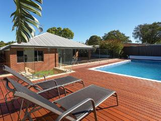 Comfortable House with Private Outdoor Pool and Parking in Rivervale - Rivervale vacation rentals
