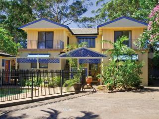 2 'Ocean Breeze' Shoal Bay Avenue - Shoal Bay vacation rentals