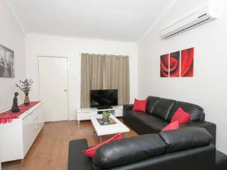 Nice 2 bedroom Vacation Rental in East Victoria Park - East Victoria Park vacation rentals