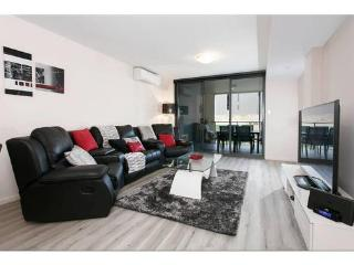 Perfect Condo with Internet Access and Dishwasher - Perth vacation rentals