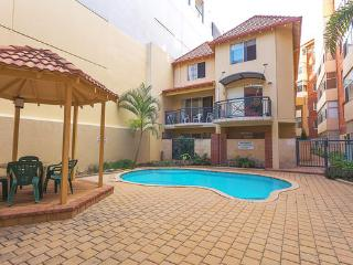 1 bedroom Apartment with Shared Outdoor Pool in Perth - Perth vacation rentals