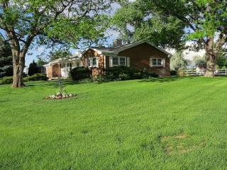 Family-Friendly Country Home close to Denver, Boulder and Airport - Denver vacation rentals
