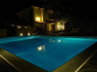Bright 5 bedroom Licata Villa with A/C - Licata vacation rentals
