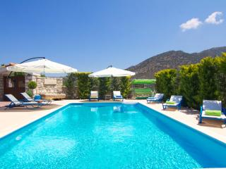 Nice Villa with Internet Access and Dishwasher - Melidoni vacation rentals