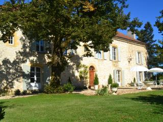 Comfortable 4 bedroom Gaugeac Villa with Internet Access - Gaugeac vacation rentals