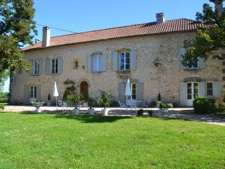 4 bedroom Villa with Internet Access in Gaugeac - Gaugeac vacation rentals