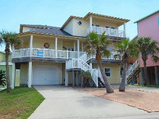 Fabulous 5 bedroom 3 bath home in wonderful Sand Point Circle!! - Port Aransas vacation rentals