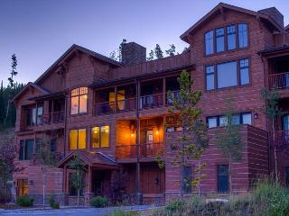 Explore Big Sky with this elegant condominium adjacent to Big Sky Resort - Montana vacation rentals