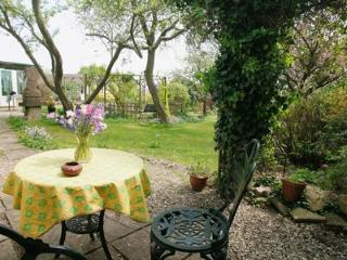 Beautiful Lodge with Dishwasher and Garden - Chalford vacation rentals