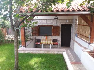 Cozy 1 bedroom Pula Apartment with Internet Access - Pula vacation rentals