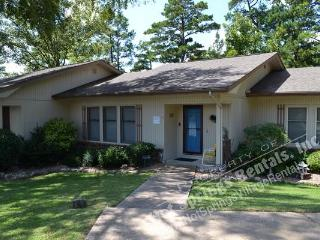 13TorrWy | Lake DeSoto | Townhome | Sleeps 6 - Hot Springs Village vacation rentals