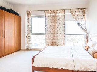 FURNISHED GORGEOUS LUXURY HUGE STUDIO LOCATION - Dubai vacation rentals