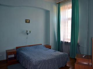 Kiev historic center one-bedroom apartment - 2 - Kiev vacation rentals