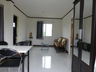 2 bedroom Villa with Internet Access in Kham Sakaesaeng - Kham Sakaesaeng vacation rentals