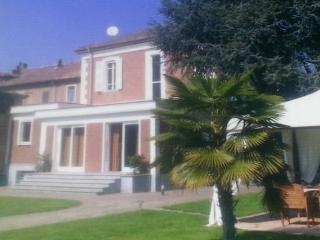 Splendida villa in stile liberty - Nizza Monferrato vacation rentals