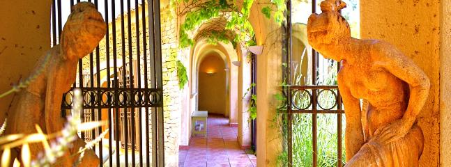 Rare luxury of a Tuscan-style villa fountain and indoor heated pool - Mondragon vacation rentals