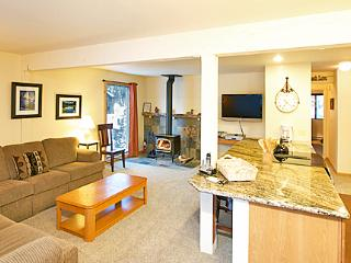 Western Slopes 1 - Walk to Lift Mammoth Condo - Mammoth Lakes vacation rentals
