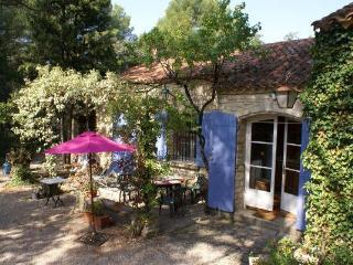 La Grande - 2 brm - Pool - Large wooded property - Mazan vacation rentals