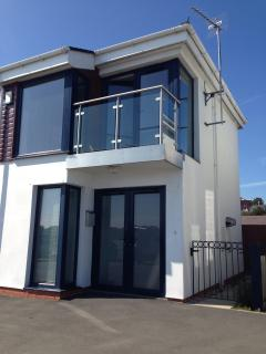 Perfect Townhouse with Dishwasher and Microwave - Pwllheli vacation rentals