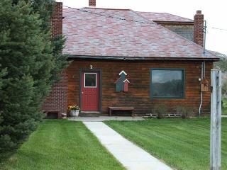 Diamond S Retreat -a piece of Wyoming Heaven! - Hyattville vacation rentals