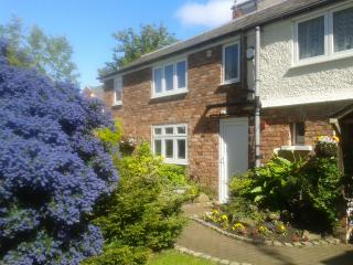 Lovely 2 bedroom Cottage in Southport with Internet Access - Southport vacation rentals