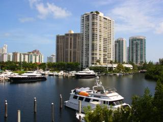 The Yacht Club at Aventura. Waterview  1Bedroom b3 - Aventura vacation rentals