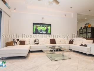 Penthouse Luxury Hi~Rise 2 bedroom 2 Bath - Florida South Atlantic Coast vacation rentals