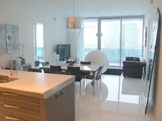 Luxury and Elegant Condo in Downtown / Brickell Miami. 2 BR - Miami vacation rentals