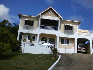"""Live Like a Local in Jamaica"" - Ocho Rios vacation rentals"