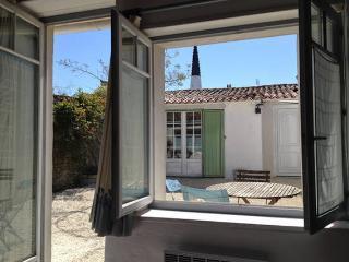 Romantic 1 bedroom B&B in Ars-en-Re - Ars-en-Re vacation rentals