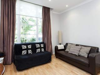Amazing 1 Bedroom in Notting Hill with Free Wifi - London vacation rentals