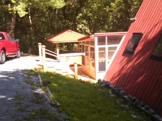 Secluded Center Hill Home & Guesthouse - Smithville vacation rentals