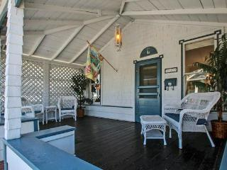 Capitola Beach Bungalow - Capitola vacation rentals