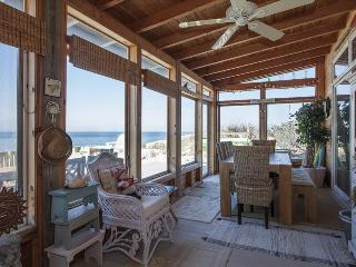 New Luxury Beach House Amazing Views Vineyards Bachelorette party hamptons The Queen Vic - Wading River vacation rentals