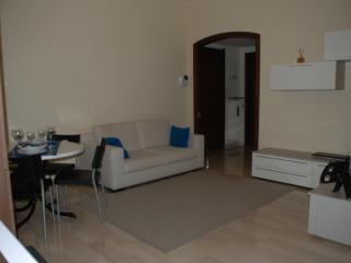 NebHouse Milano - 20 minutes from Rho-Fiera - Parabiago vacation rentals