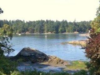A Quiet, Private, 2 Bedroom Retreat On The Water - Victoria vacation rentals