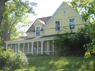 Sunshine House an updated country house, sleeps 20 - Greenfield vacation rentals