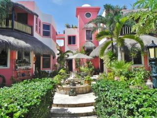 Townhome or garden apartment in a boutique villa - Akumal vacation rentals