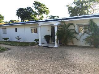 4 bedroom Bungalow with Deck in Port Vila - Port Vila vacation rentals