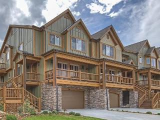 Spacious, upscale luxury home w/ private hot tub & Jacuzzi tub! - Park City vacation rentals