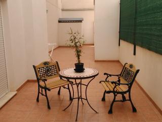 B&B and big bed - 10 min beach - Alicante vacation rentals