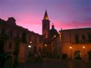Beautiful Townhouse Casa Rossa - Abruzzo vacation rentals
