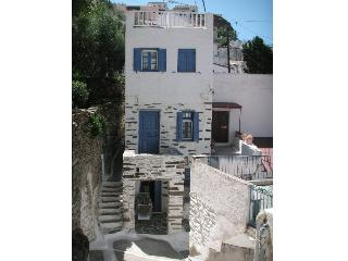 3-floor doll-house in Kea Ioulida / Chora, Cyclades - Kea vacation rentals